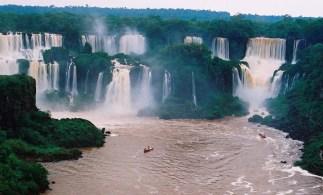 Yuri Martins Fontes / Brasil-2004 / Foz do Iguaçu: Cataratas/ Parque Nacional / Paraná