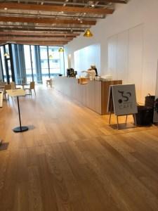 富山市ガラス美術館 カフェ