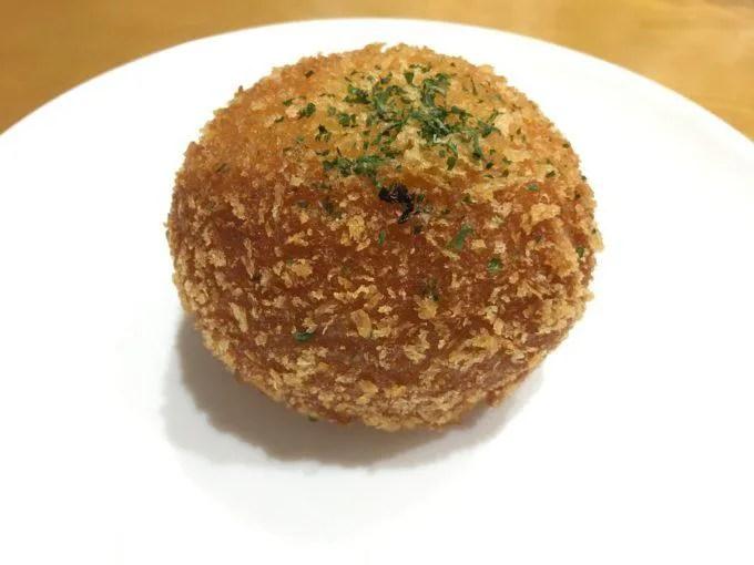 パーシモガーデンの牛しぐれカレーパン