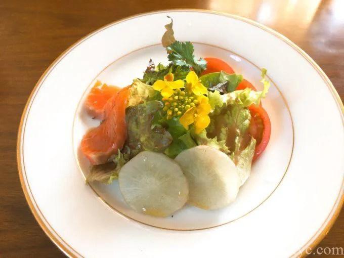 トラットリア トマトのランチのサラダ