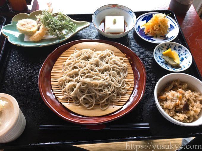 拘留孫(くるそん)の蕎麦定食