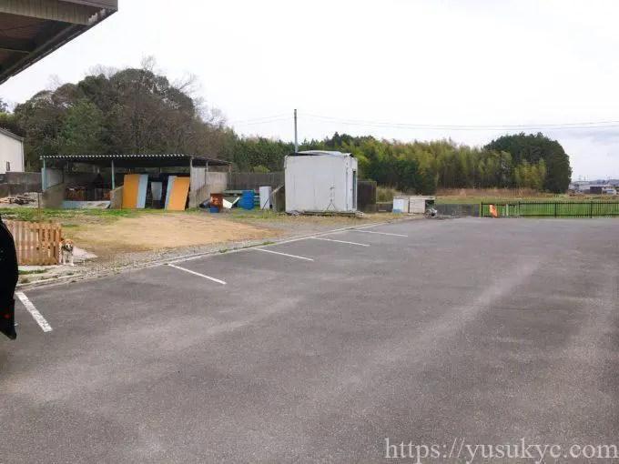 鈴鹿のパン屋さんIinsaide(アイインサイド)の駐車場