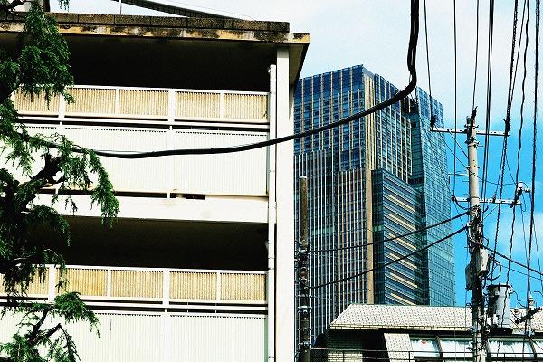 団地と高層ビル