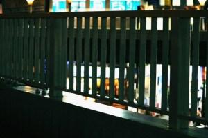 歩道橋の柵