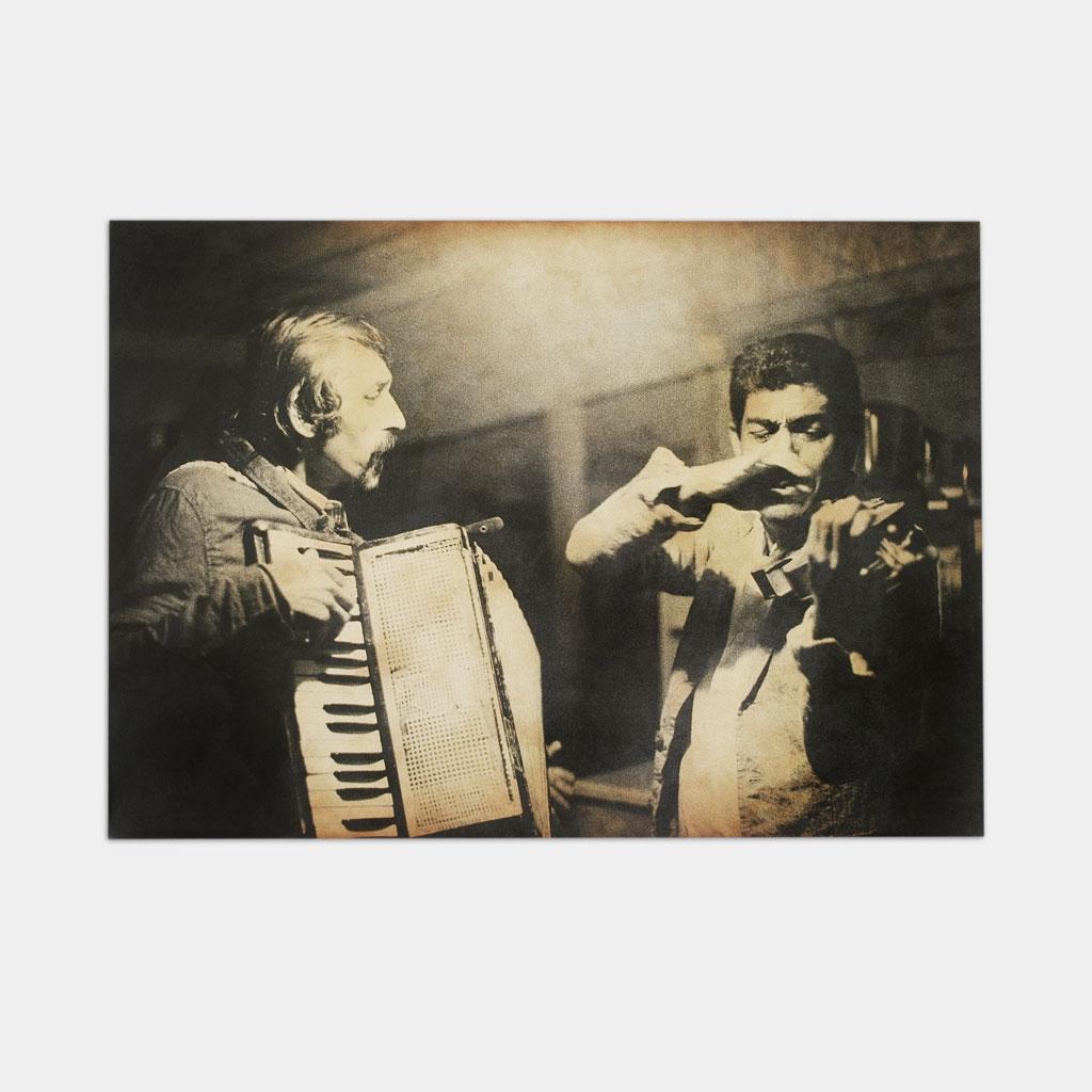 カリウとマリンが演奏している写真(正面)