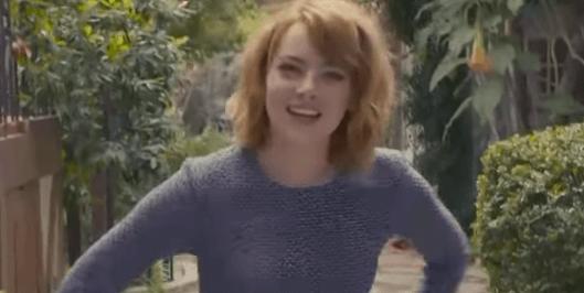 エマ・ストーンに73の質問をする動画
