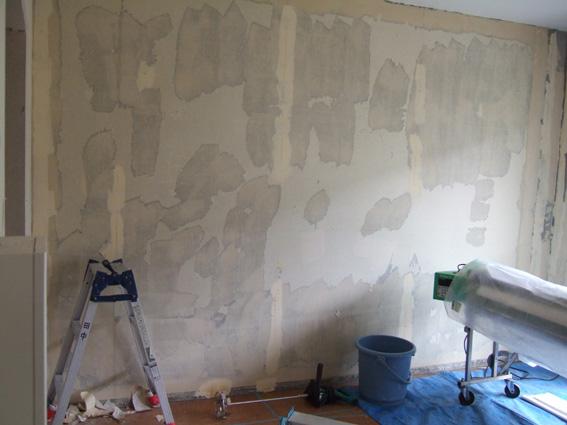 壁紙はがして施工前