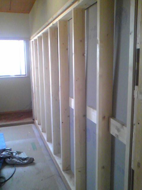 和室続き間を壁にします