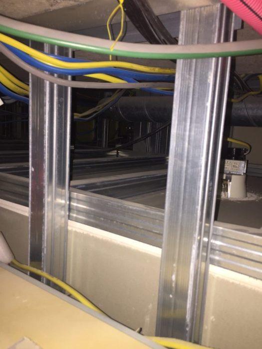 浴室天井点検口から下地の確認