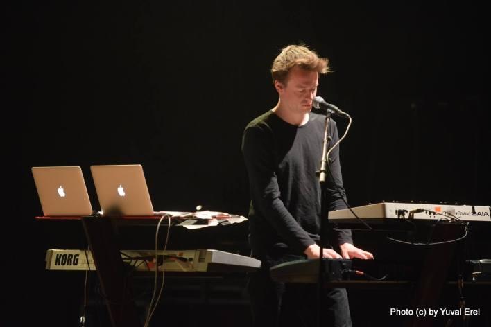 קארסטן ברוק, מביא את הצליל של הסינטי לפופ. צילום: יובל אראל