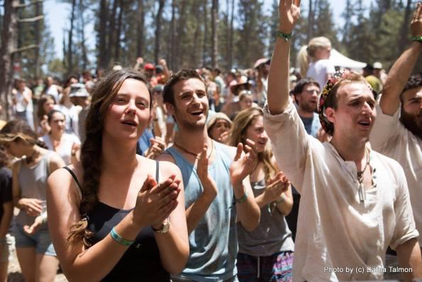 קהל של שבת בבוקר. צילום: דפנה טלמון