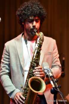 יקיר ששון והג'אפה ג'אז. צילום יובל אראל