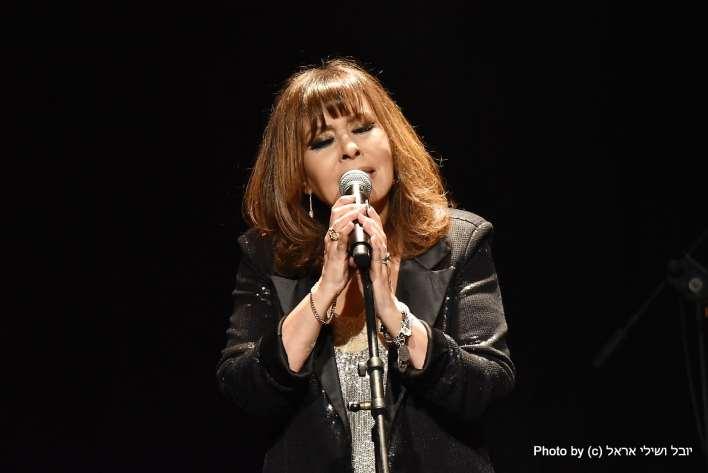 ירדנה ארזי, הופעה ברדינג 3. צילום יובל ושילי אראל