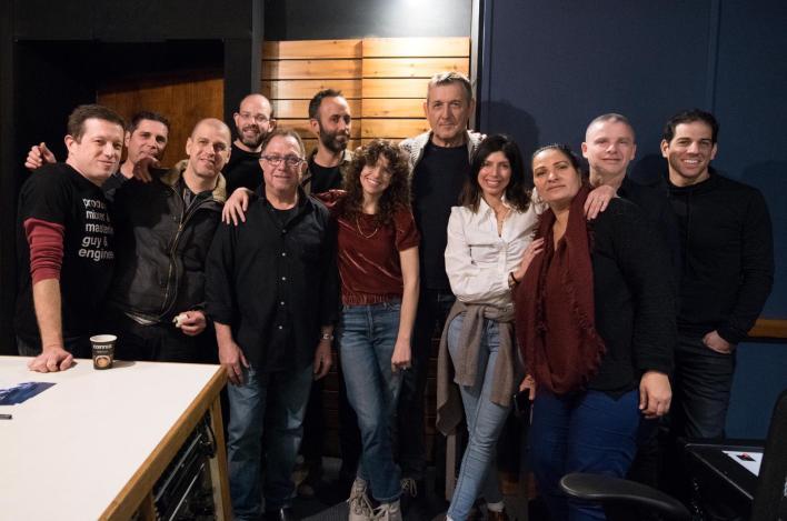 יוני רכטר והחברים שמאחורי אלבום הילדים החדש. צילום משה צ'יטיאת