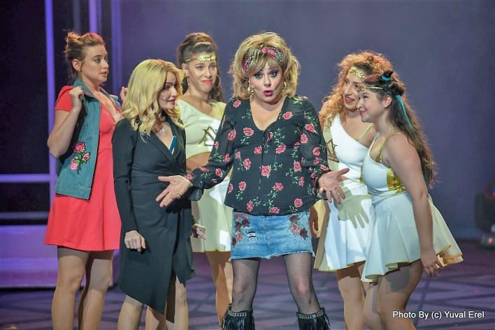 חנה, אניה והבנות...צילום יובל אראל