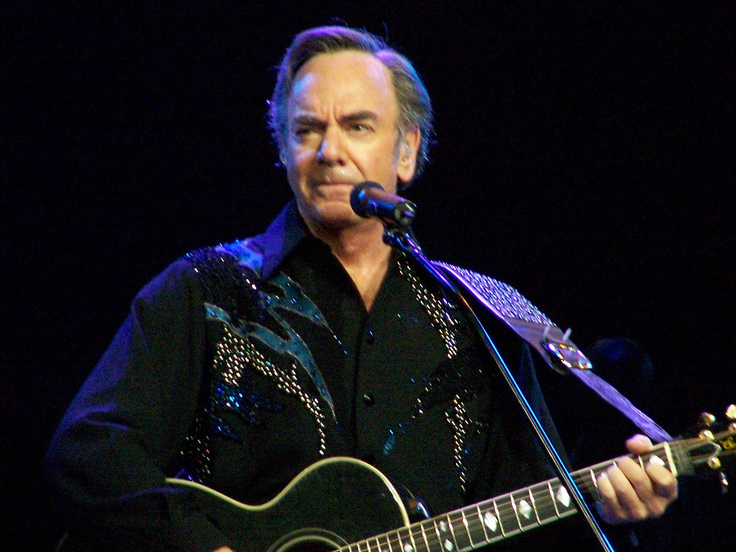 Neil Diamond By Irisgerh , CC BY 3.0,