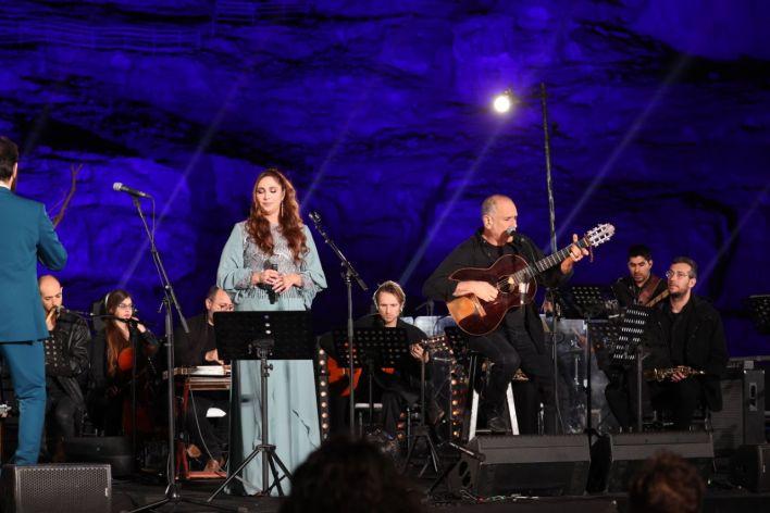 דיויד ברוזה ורחלה - קונצרט למען השלום. צילום מוטי קמחי