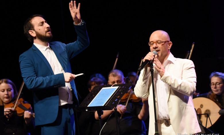 קובי ותום בתיאטרון גבעתיים. צילום יובל אראל
