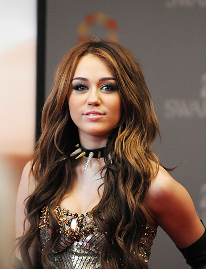 20 Best Miley Cyrus Hairstyles And Haircuts Yve Style