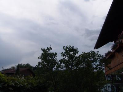 ... und rechts ist schlechtes Wetter