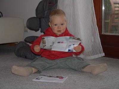 Ich lese mir die Broschüre durch