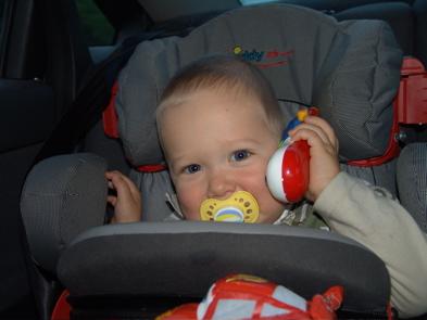 Ein Krümel telefoniert