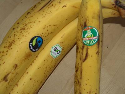 Mama achtet darauf, welche Bananen wir kaufen!