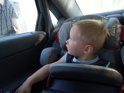 Ui - Papa sprüht das Auto