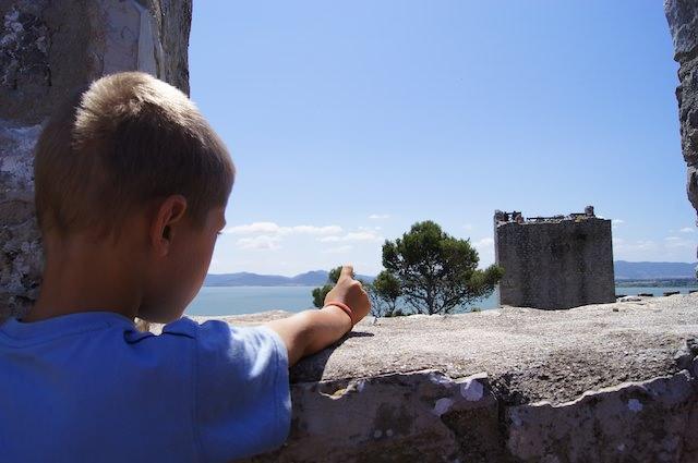 Fonzie piace il panorama della fortezza