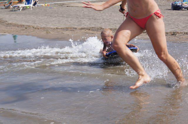 Fonzie si diverte alla spiaggia