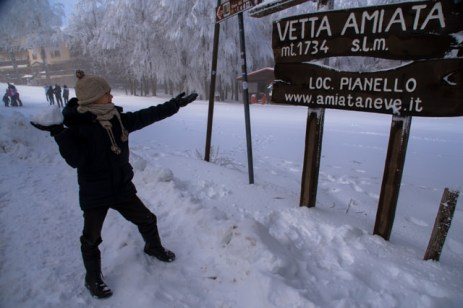 Yves piace la neve sulla vetta