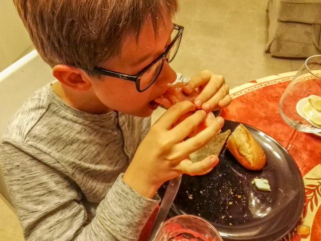 Fonzie piacciono i baguette al salmone affumicato