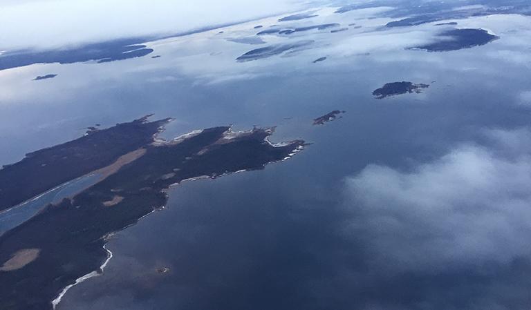 Flyfoto et sted i Nord-Sverige.