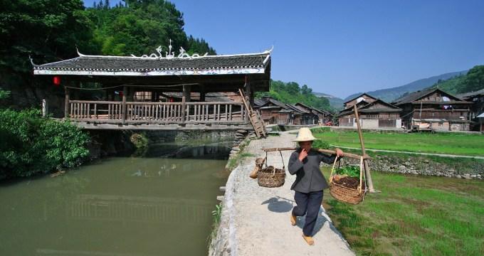 Dong en Miao China