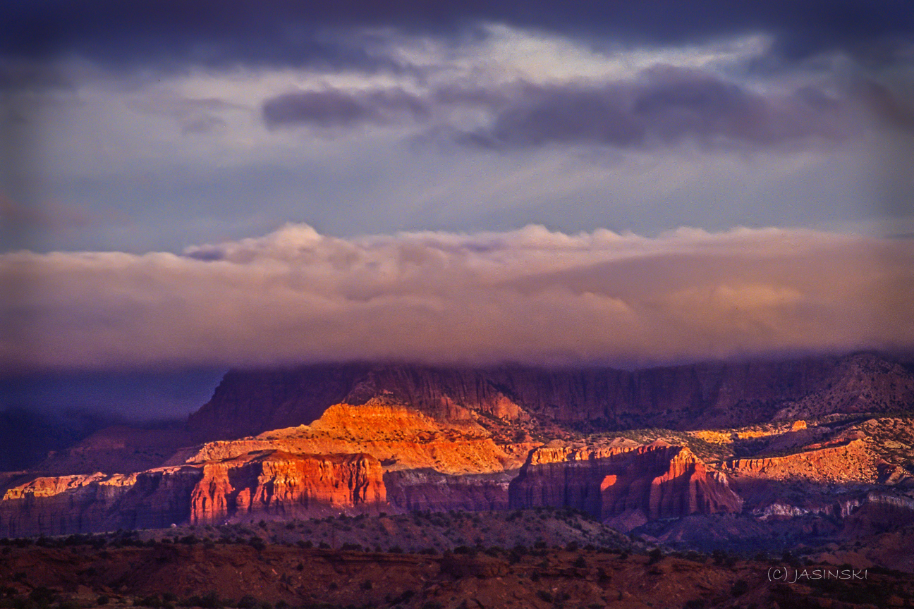 Why Utah Is the Best State for Nature Lovers. Canyonland National Park at sunset.