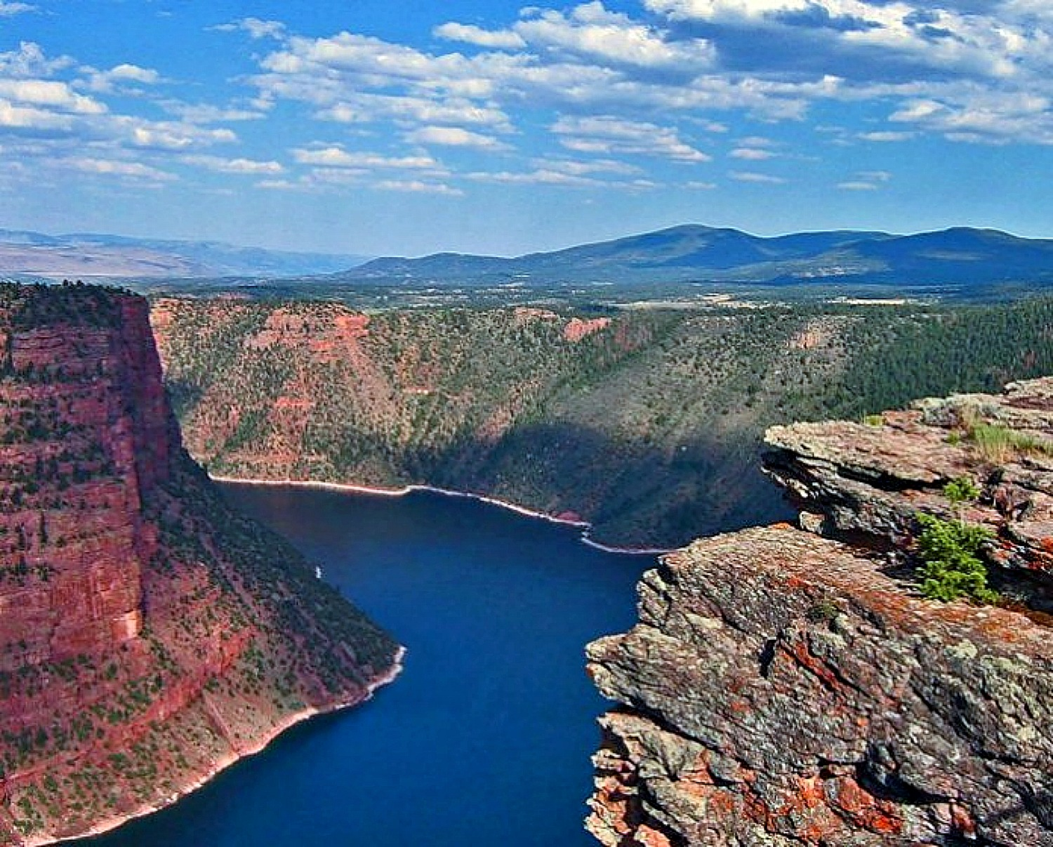 Why Utah Is the Best State for Nature Lovers. Flaming Gorge.