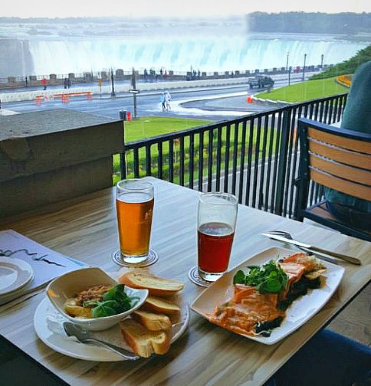 Dining with the view at Niagara Falls.