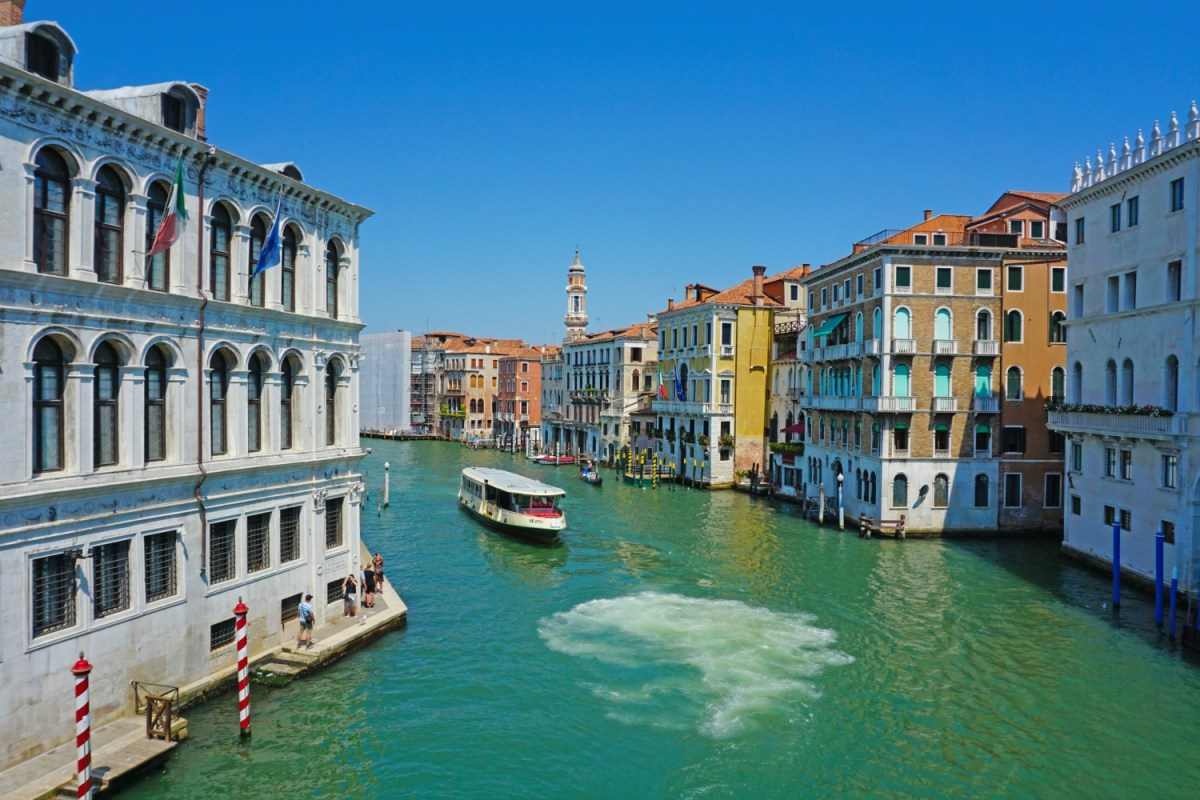 Tips on visiting Venice. View of Venice canal.