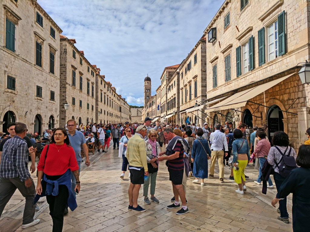 Crowded old town in Dubrovnik.