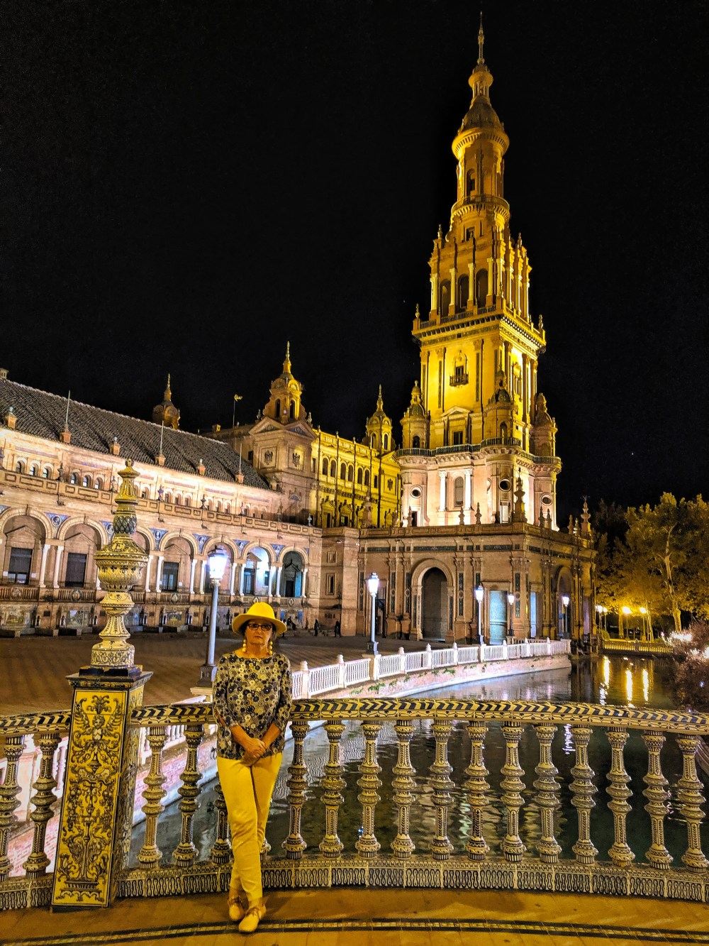 Seville Spain, things to do. Plaza de Espana at night.