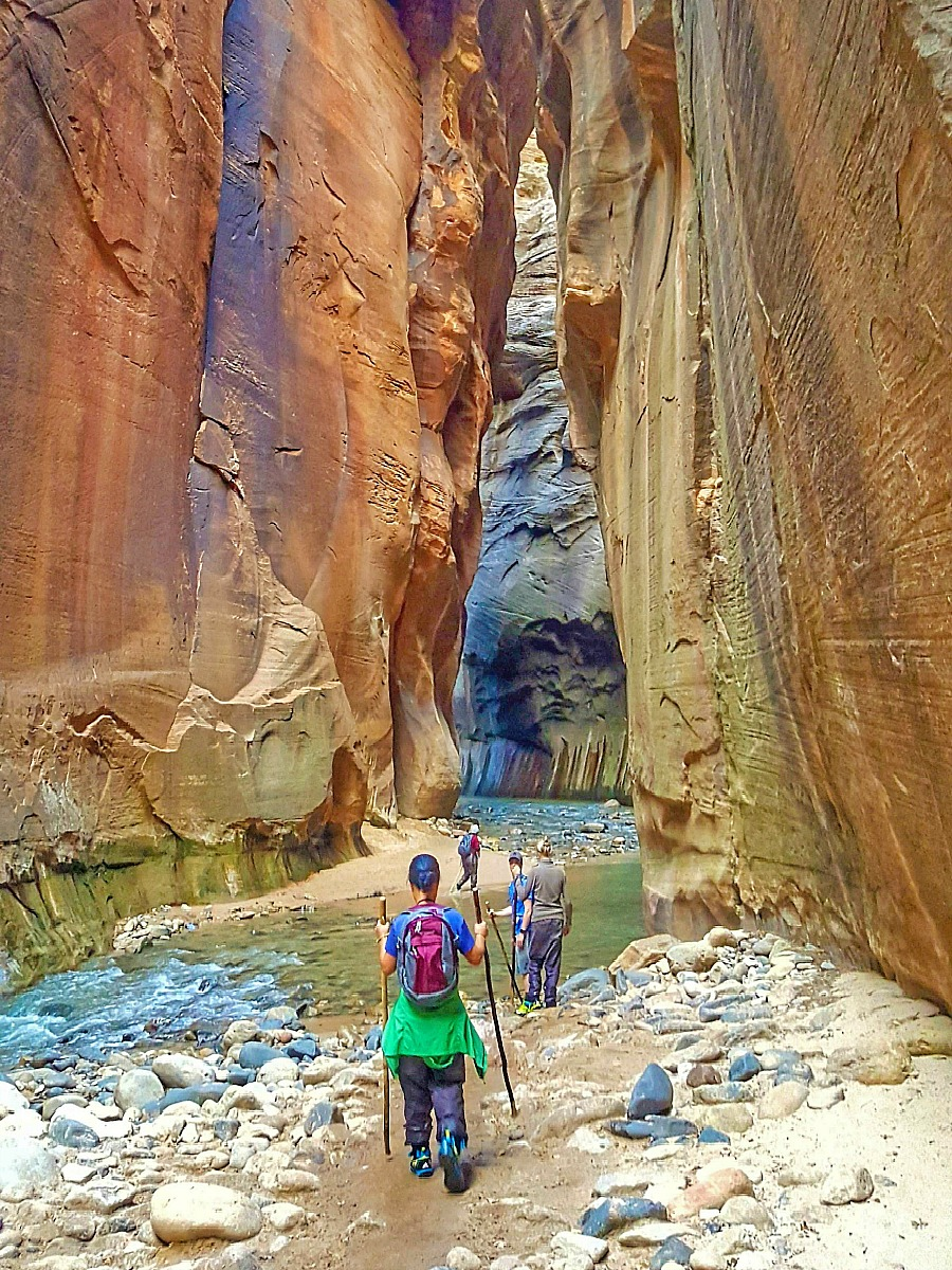 Utah. Hiking the Narrows in Zion.