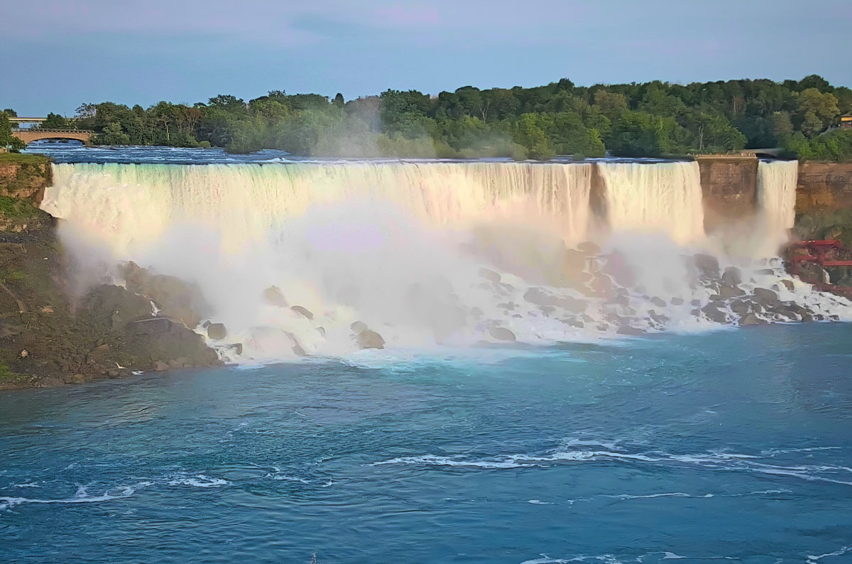 No picture can capture the beauty and power of Niagara Falls.