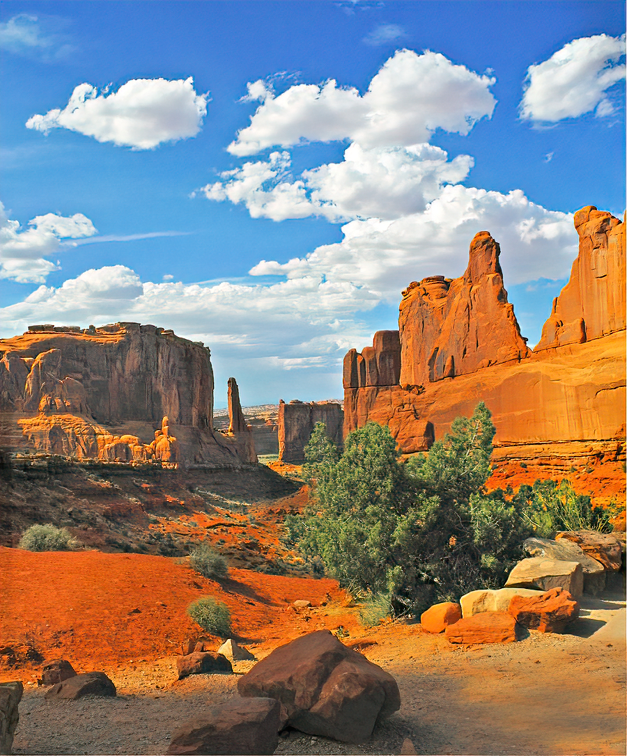Park Avenue in Arches National Park shows off its natural skyscrapers.
