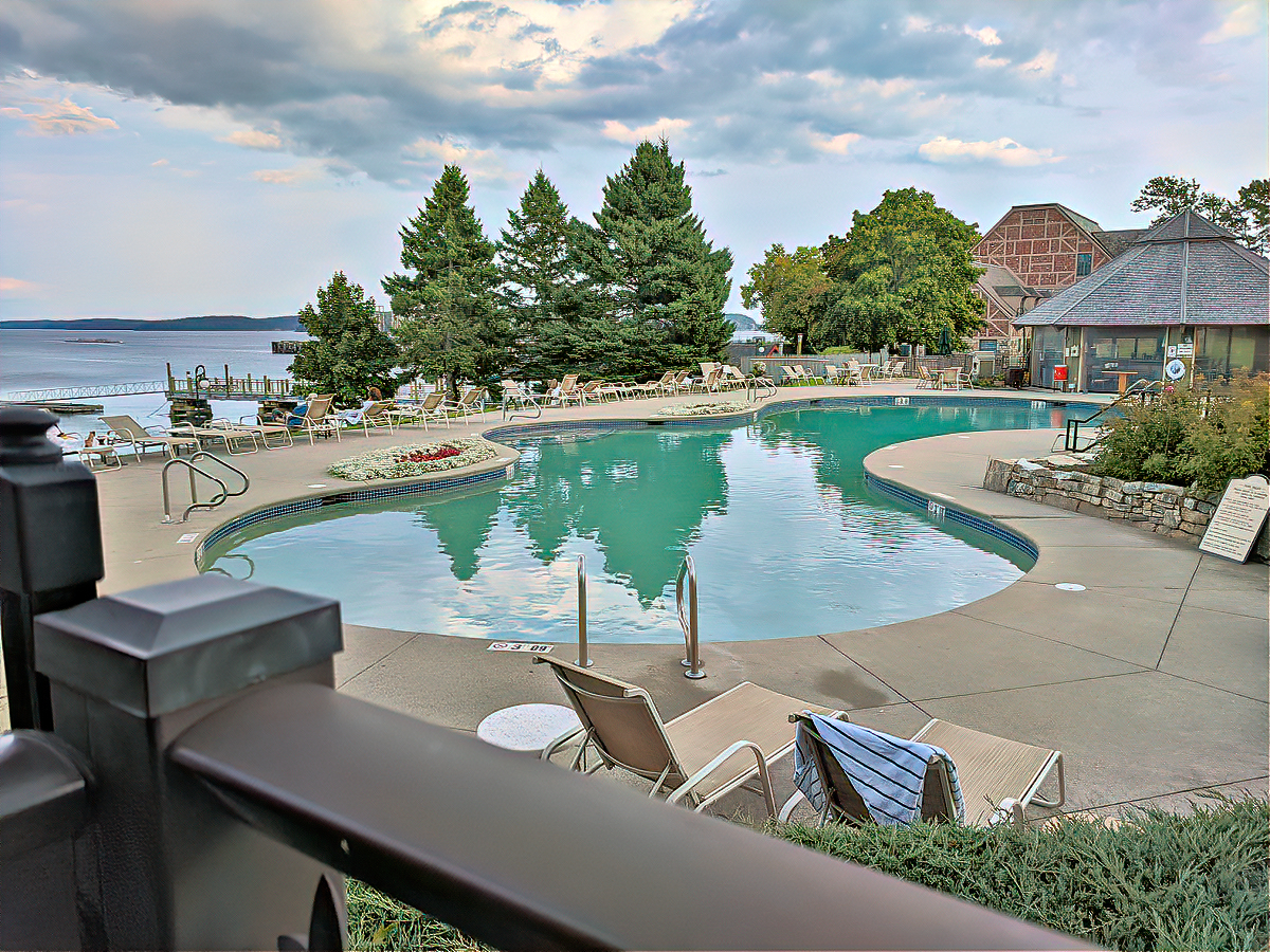 Holiday Inn Bar Harbor offers great location right on the water.