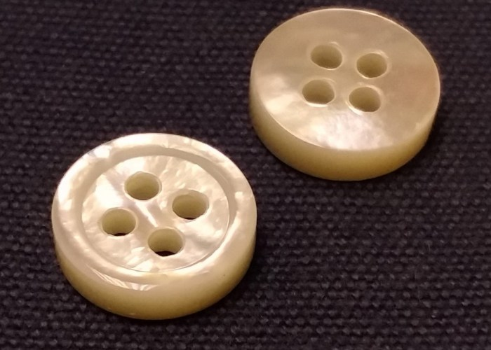 Mother of Pearl Buttons with iridescence and glowing look