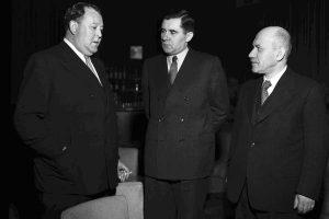 Генеральный секретарь ООН Трегве Ли, полпред СССР в ООН Андрей Громыко и польский посол в Лондоне Альфред Фидеркевич, — перед заседанием Совбеза ООН 15 мая 1947 года