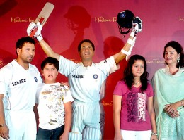 Sachin with his family @ his wax statue