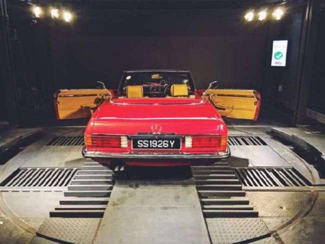 В Сингапуре появился гигантский -вендинговый автомат- по продаже автомобилей (6 фото + видео)