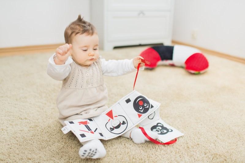 Kontrastowe zabawki dla niemowląt