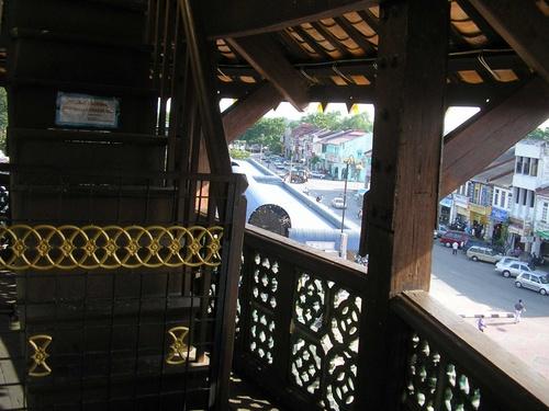 mc43-tangga-kayu